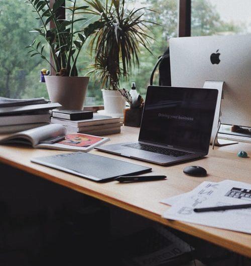 Ergonomi på arbejdspladsen med hæve/sænkeborde